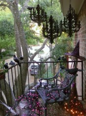 Gorgeous Halloween Ideas for Apartment Balcony This year 11
