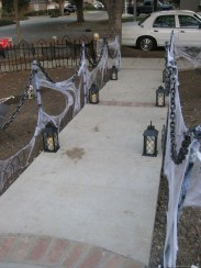 Most Amazing DIY Halloween Decoration Ideas to Make Your Outdoor Decoration More Perfect 03