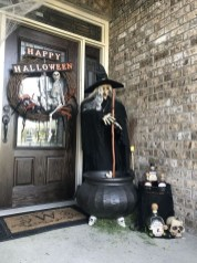 Most Amazing DIY Halloween Decoration Ideas to Make Your Outdoor Decoration More Perfect 11
