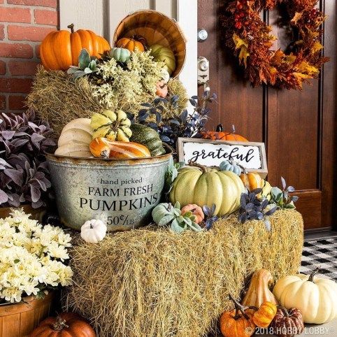 Most Beautiful Fall Decorating Ideas That Will Make More Perfect Home In This Fall 34