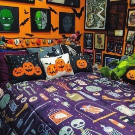 Small Bedroom Decoration with Halloween Ornament 04
