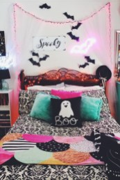 Small Bedroom Decoration with Halloween Ornament 11