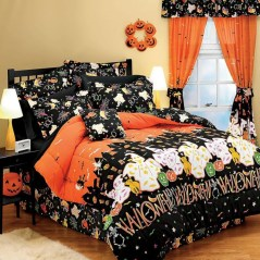 Small Bedroom Decoration with Halloween Ornament 18