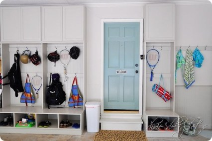 Smart and Comfortable Garage Organization for Your Small Room 19