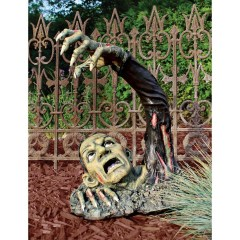 The Most Creepy Halloween Garden Decoration in Years 38