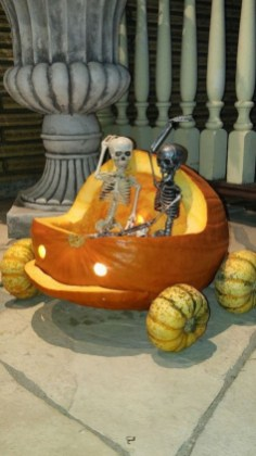 The Most Scary DIY Halloween Decoration Ideas For Your Home 06
