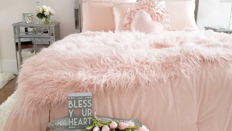25 Romantic Valentine Bedroom Design Ideas for Couples