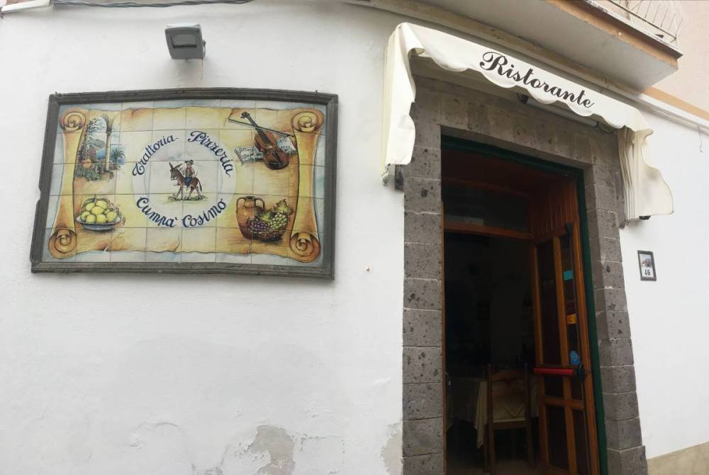A photo of the exterior of Cumpa Cosimo, one of the restaurants recommended as where to eat in Ravello.