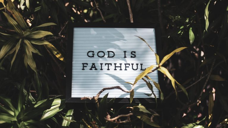 8 Ways To Respond When God Is Doing Absolutely Nothing
