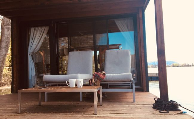 6 Reasons I Love This Cozy Airbnb Houseboat Near Montreal