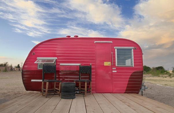 el-cosmico-pink-trailer