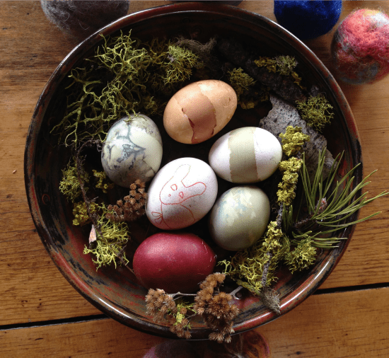 Dye Easter Eggs with common kitchen ingredients