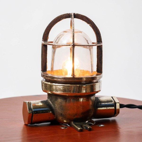 Small lamp in brass anciellitude
