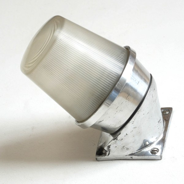 Applique en biais au verre strié anciellitude