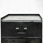 Old American Cabinet in Riveted Steel anciellitude