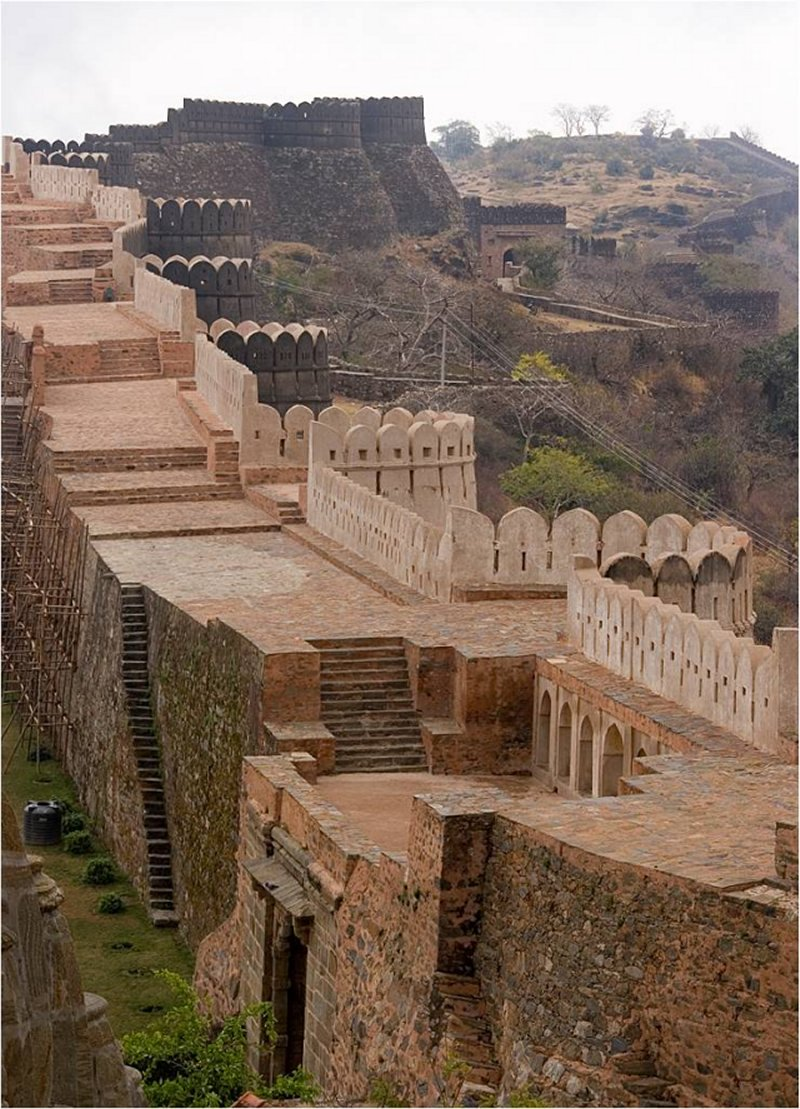 Magnificent And Massive Great Wall Of India  Astonishing