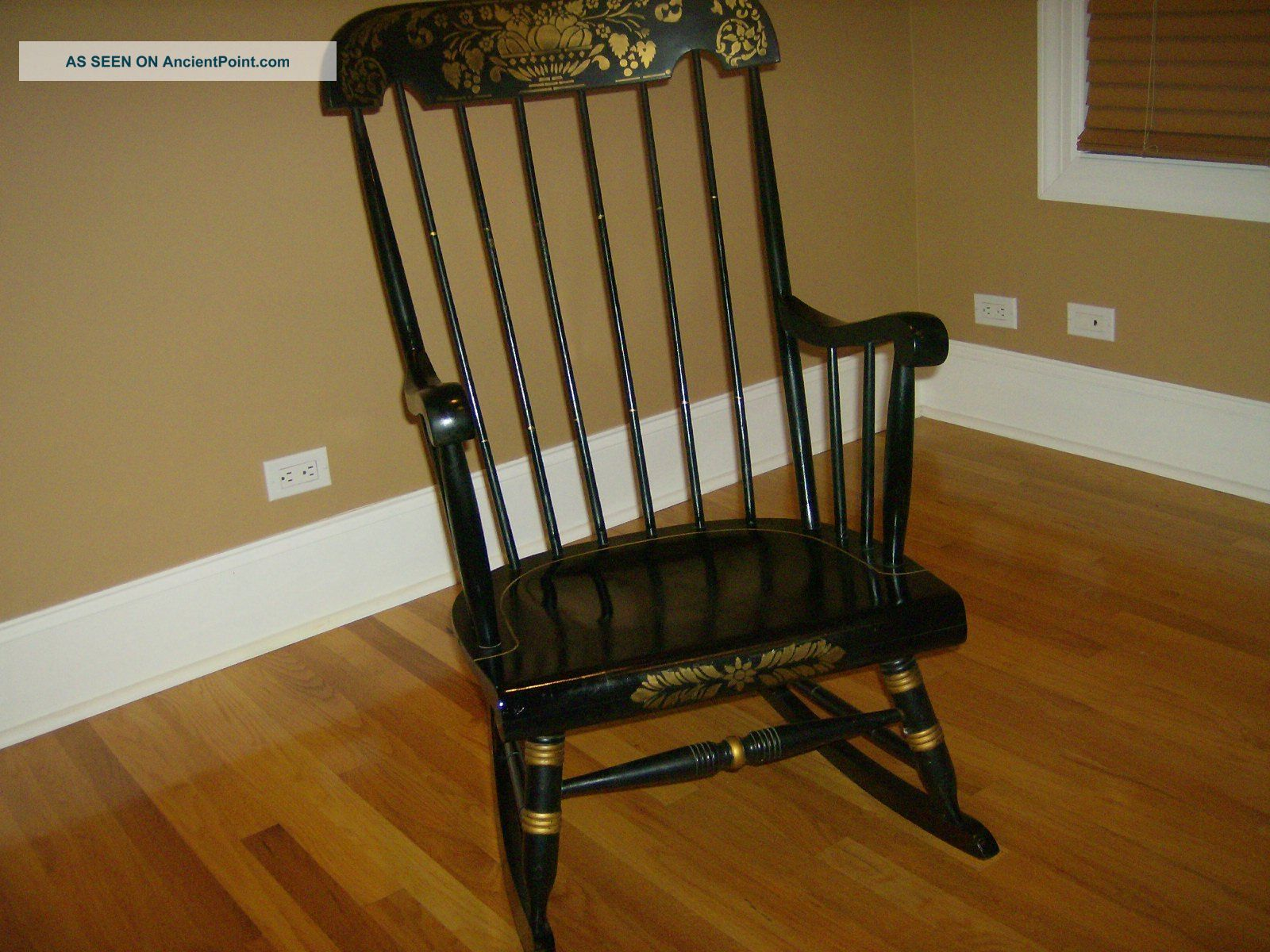 Antique Rocking Chair Antique Vintage Chairs Interior Decorating Accessories