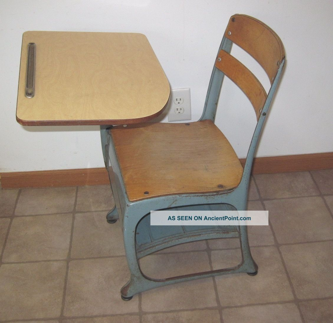 Kids School Chairs Old School Desk Chair Hostgarcia