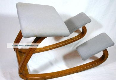 Modern Kneeling Chair