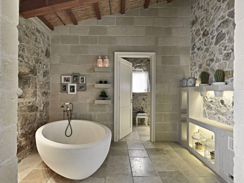 stone-bathtub-tiles-relais-masseria-capasa-hotel