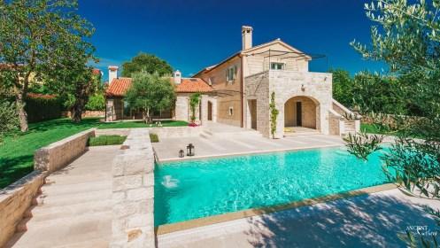 outdoor-limestone-pool-coping-limestone-stairs-limestone-wall-cladding