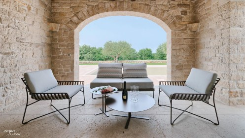 outdoor-seating-chair-limestone-flooring-limestone-wall-cladding