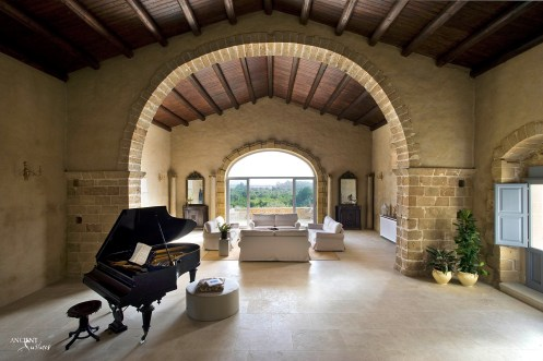 farmhouse-living-room-open-space-limestone-flooring-limestone-wall-cladding