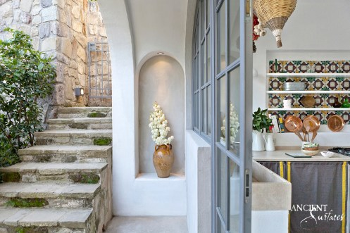 italian-italy-home-outdoor-kitchen-limstone-stairs-stone