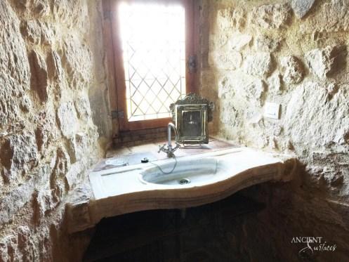 limestone-sink-bathroom-powder-room-stone1-