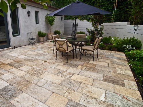 outdoor-seating-area-with-limestone-flooring-biblical-stone-pavers