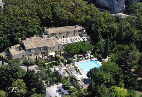 Provence-House-beautiful-antique-limestone