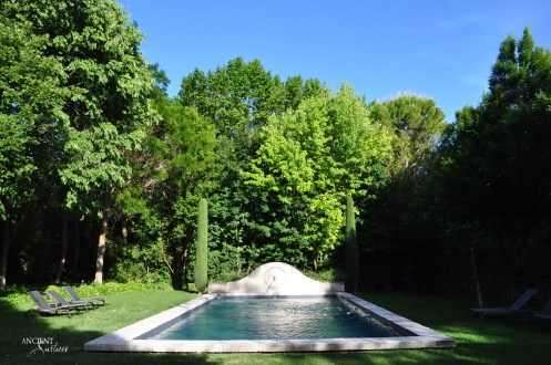 antique-limestone-wall-fountain-pool-coping