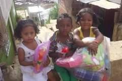 Niños pobres ayudados en Colombia, por el Ministerio Ancla de Salvación Internacional 2015 ayudados en Mededellin Colombia y en Guinea Ecuatorial Africa.