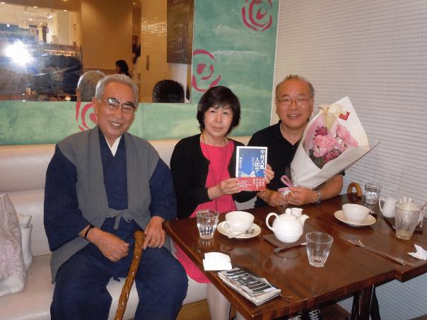 行徳先生と岡部明美さんとの写真