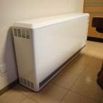 今シーズン3台目の蓄熱式暖房機の取付け(寺井町)