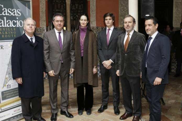 Casas palacio. Seville walking route