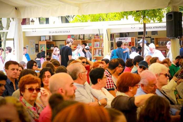 Feria del libro de Sevilla Foto Emilio Parrilla