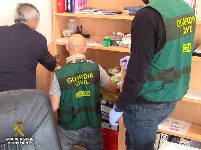 fabricación y exportación de medicamentos ilegales