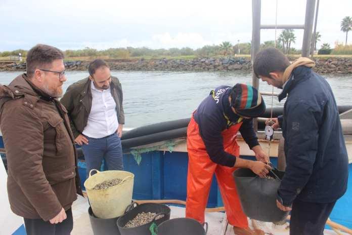 Jornada de pesca de la chirla