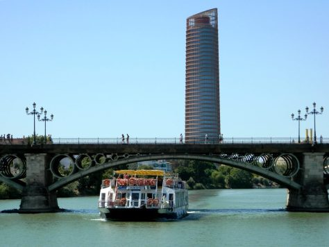 Giro_Battello_Siviglia_Fiume_Guadalquivir_Andalusia_ponte_triana