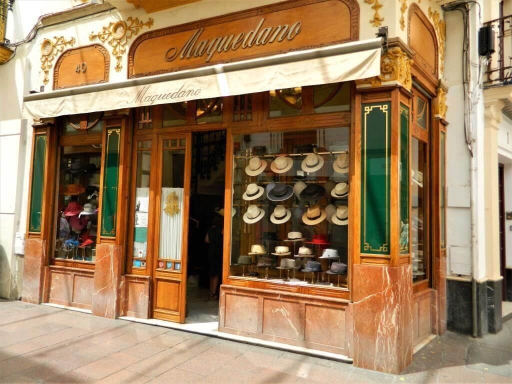 Souvenir e shopping a Siviglia cosa comprare  Andalusia