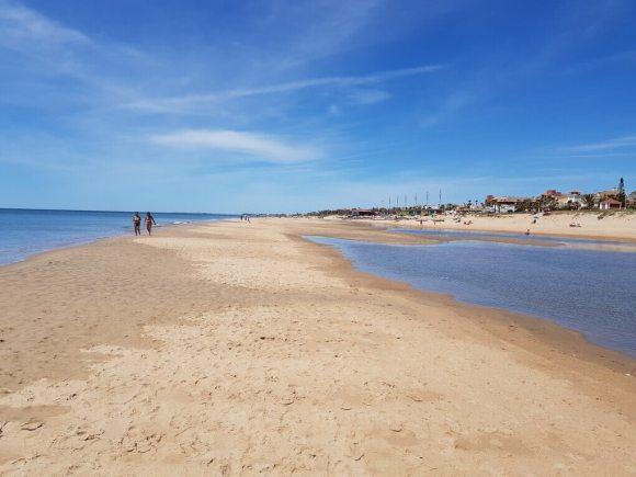 quando_visitare_andalusia_spiaggia_primavera