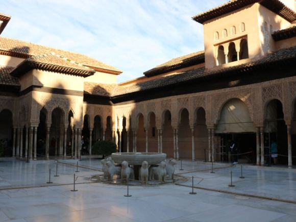 visitare_alhambra_granada_guida_leones