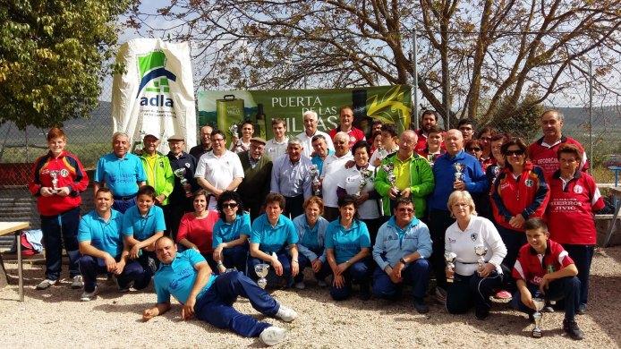 Foto ganadores y autoridades torneo adlas circuito regional bolo andaluz