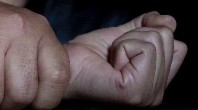 Joven abusa de un niño de 10 años y le  transmite el VIH /SIDA