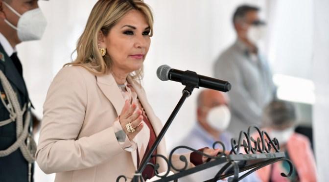 Incendios: Presidenta confirma que hoy declarará emergencia nacional y anulará el decreto de Evo Morales