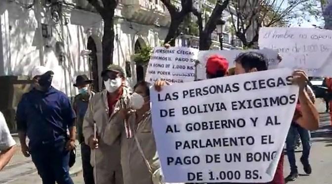 Personas con discapacidad salen en marcha y exigen un bono de 1000 bolivianos