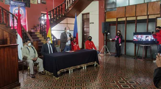 Gobernación y UAJMS firman convenio para garantizar la educación a través del acceso virtual gratuito