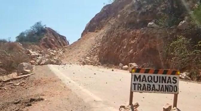 Realizan la limpieza de tierra y rocas sueltas en tramo Entre Ríos-Palos Blancos