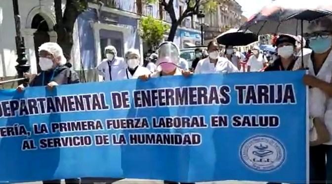 LIcenciadas en Enfermeria nuevamente en las calles para exigir la nivelación en la escala salarial